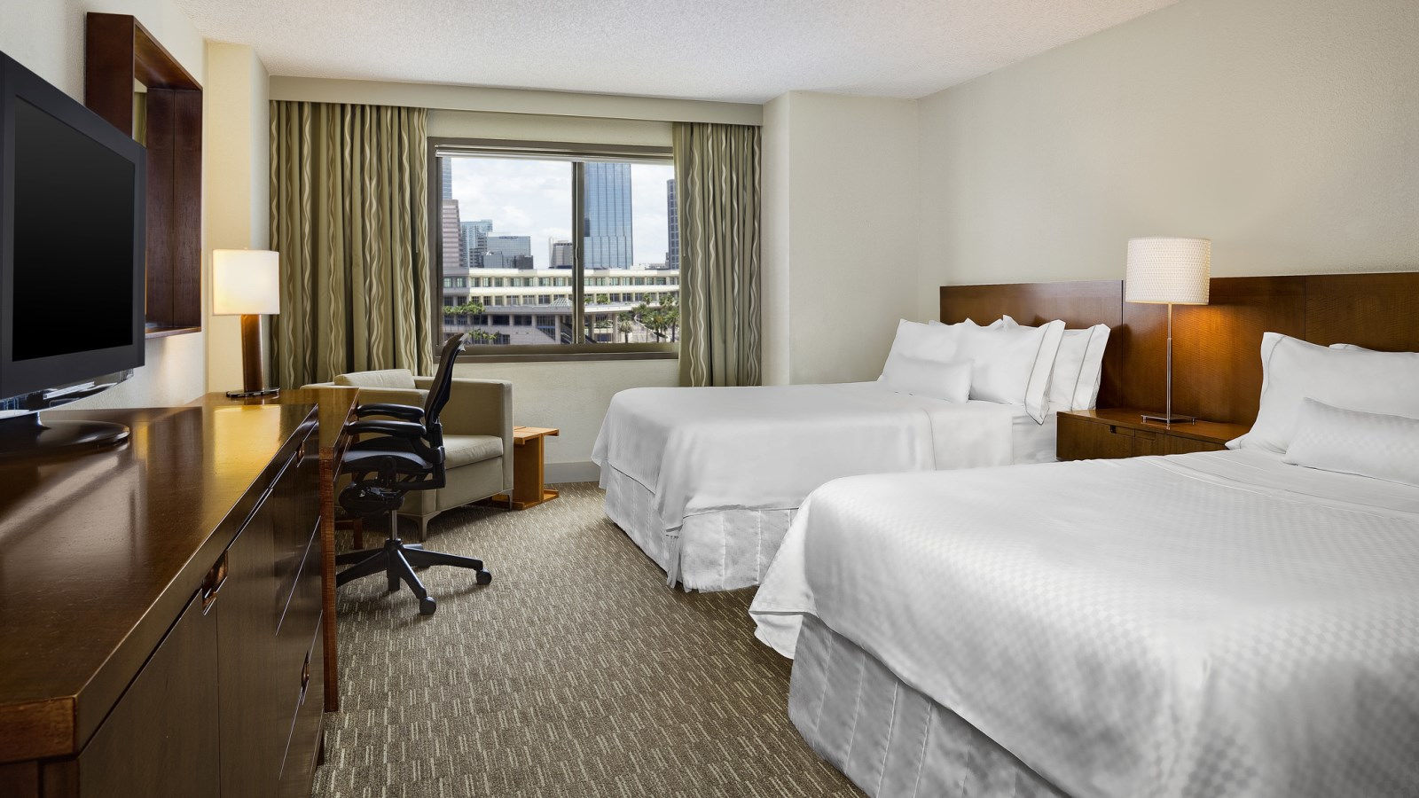 Traditional Rooms | The Westin Tampa Waterside