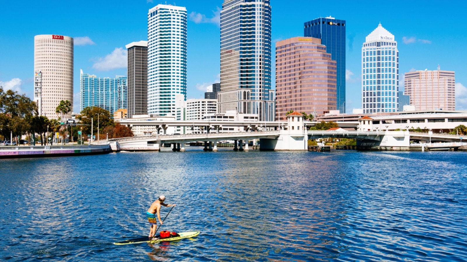 The Westin Tampa Waterside - Stand Up Paddleboarding